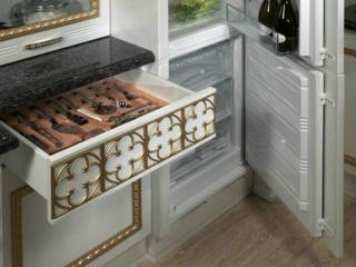 Комфортная обеденная зона в кухне классического стиля